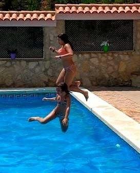 Salto a la piscina